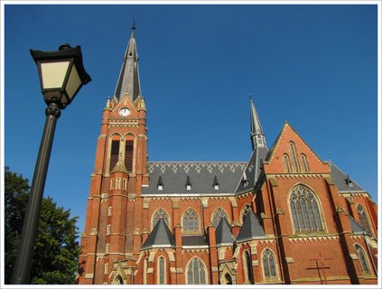 FOTKA - Záběr s lampou a kostelem