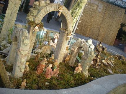 FOTKA - Betlem v kasne s vodou