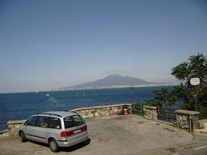 FOTKA - pobřeží s výhledem na Vesuv