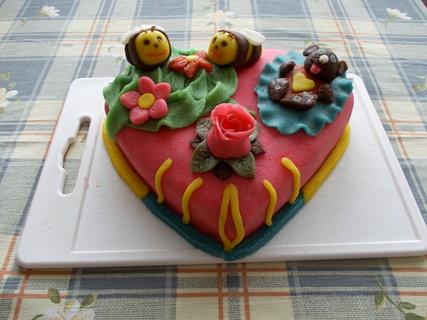 FOTKA - Potahovaný dort srdíčko
