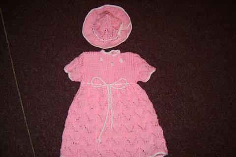 FOTKA - pletené šatčky s kloboučkem