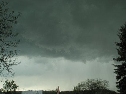 FOTKA - první letošní bouřka