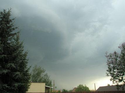 FOTKA - první letošní bouřka1