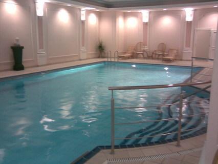 FOTKA - Bazén u mě v práci