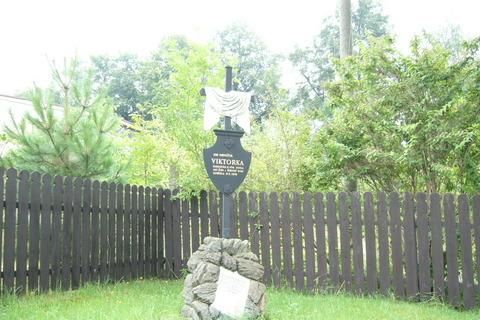 FOTKA - Viktorčin hrob
