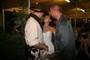 nevěsta je v obležení chlapů