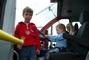 Karolínka a Kuba v hasičském autě