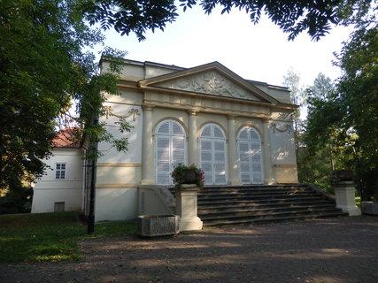 FOTKA - v parku u zámku v Teplicích