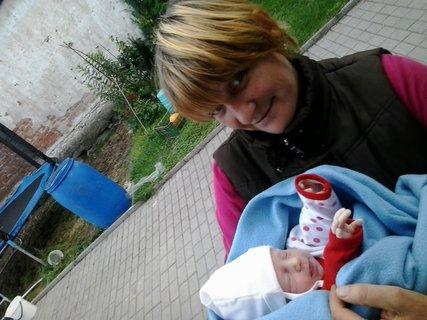 FOTKA - babicka s Natálkou
