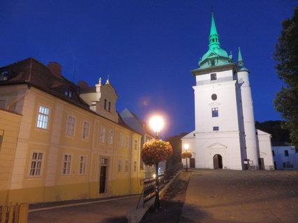 FOTKA - Teplice, u kostela - tentokrát v noci