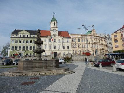 FOTKA - Budova radnice v Teplicích, nám Svobody.