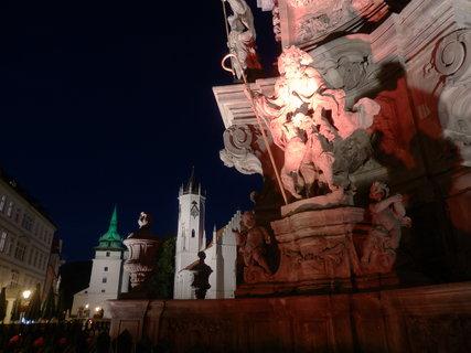 FOTKA - z toulek po Teplicích - noc na náměstí