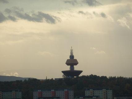 FOTKA - zoomem z Doubravky - vodárna Teplice