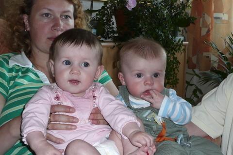 FOTKA - Vyrůstají spolu,ale dvojčata nejsou