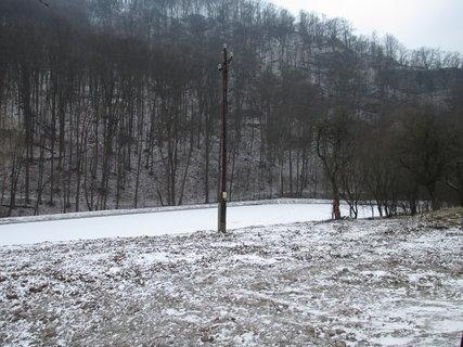 FOTKA - zamrzlý rybník