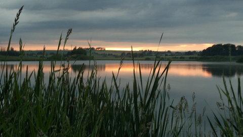 FOTKA - západ slunce nad rybníkem