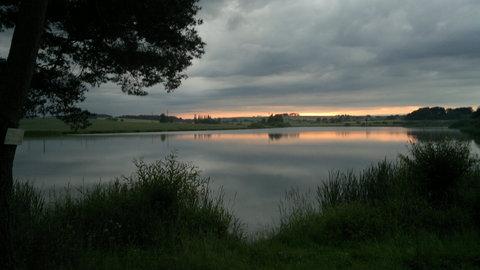 FOTKA - západ slunce nad rybníkem 2