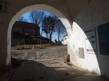 FOTKA - zámek Plumlov   ....