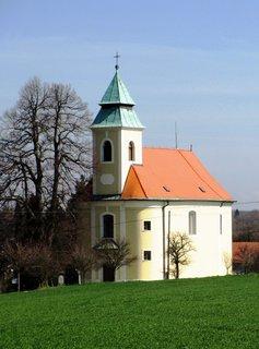 FOTKA - kostel ve slunečních paprscích
