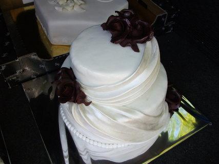 FOTKA - svadobny klobuk