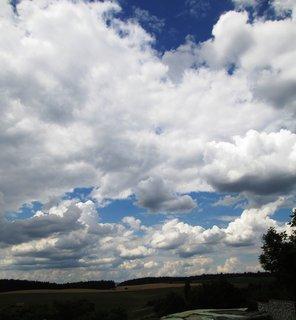 FOTKA - obloha plná mraků a mráčku