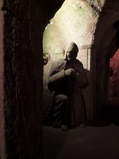 FOTKA - Sochy v jeskyni