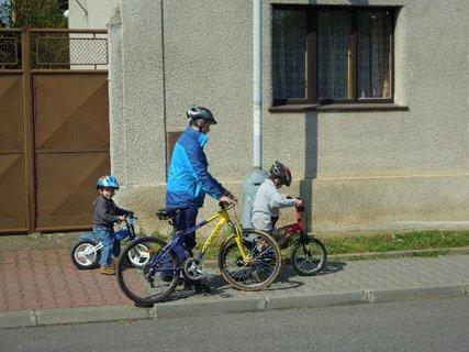 FOTKA - kluci na kolech