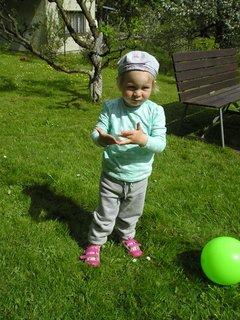 FOTKA - Sofie s míčkem