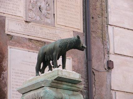FOTKA - Historický symbol Říma - vlčice