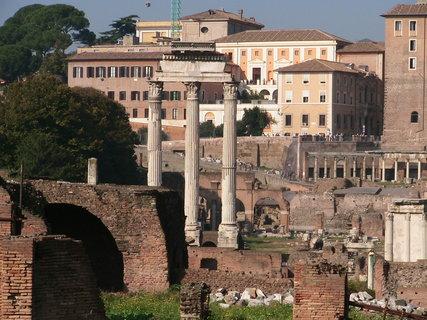 FOTKA - Pohled na Forum Romanum - Řím