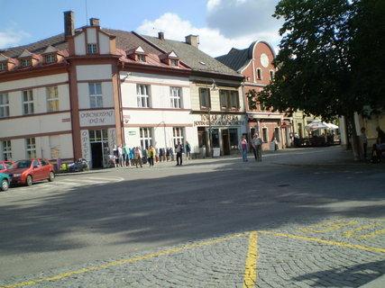 FOTKA - Cesta k zámku z náměstí