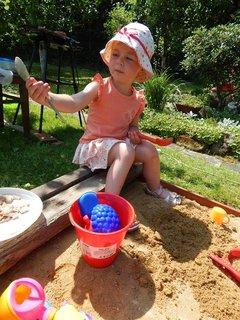 FOTKA - na chalupe,na písku
