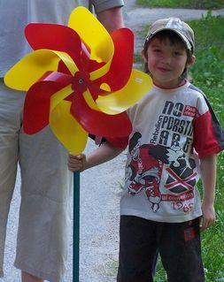 FOTKA - chlapec s větrníkem