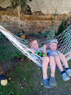 FOTKA - bráchové na zahradce