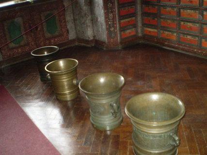 FOTKA - Mosazné nádoby