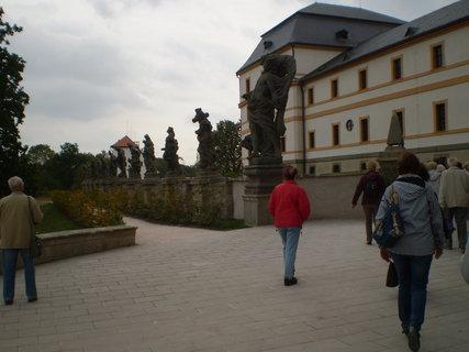 FOTKA - Kuks se svými sochami