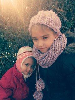 FOTKA - sestry, a je im chladno..