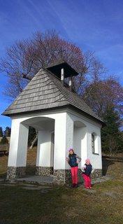 FOTKA - pri kaplnke v prírode