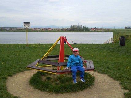 FOTKA - Jakubko na ihrišti--