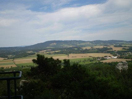 FOTKA - Cíl naší cesty je obec dole v údolí