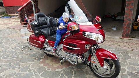 FOTKA - mladý nádejný motorkár