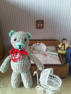 FOTKA - malý zelený medvídek do kapsy