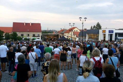 FOTKA - Koncert skupiny Olympic na náměstí v Mníšku