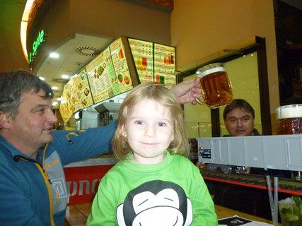 FOTKA - Anetka s tatínkem.