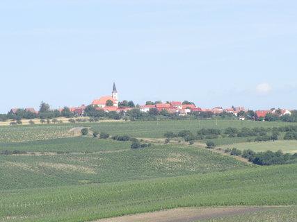 FOTKA - kostel za polem