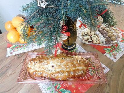 FOTKA - Vánočka a cukroví
