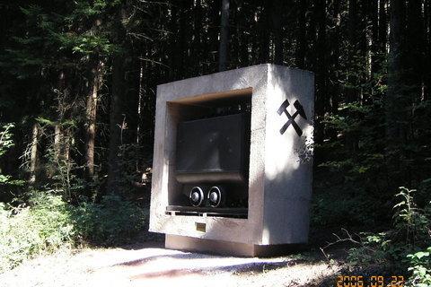 FOTKA - Hornický kříž - památník