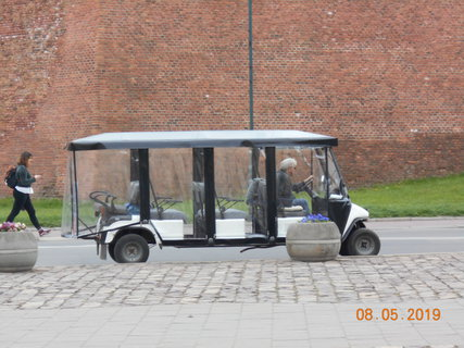 FOTKA - Vyhlídkové autíčko vás povozí po městě