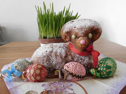 FOTKA - Beránek s dekorativními kraslicemi (10.4.)