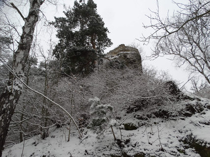 FOTKA - pohled na hrad zespoda
